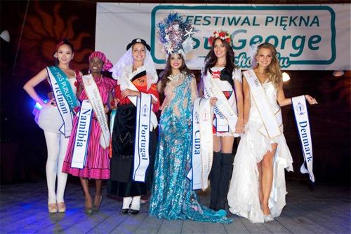 Hương Thảo đoạt giải Hoa hậu cộng đồng - 1
