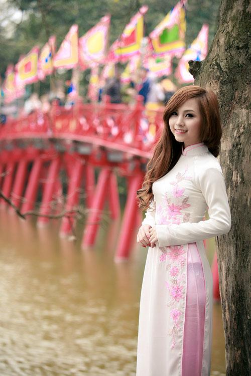 Nana, Hà Min lãng mạn bên Hồ Gươm - 1