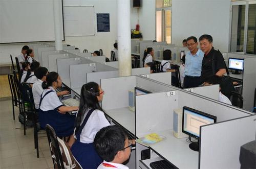 5 nghìn học sinh bước vào kỳ thi Olypic tiếng Anh - 1