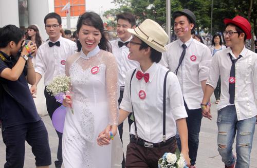 Đám cưới đồng tính tập thể tại Hà Nội - 1