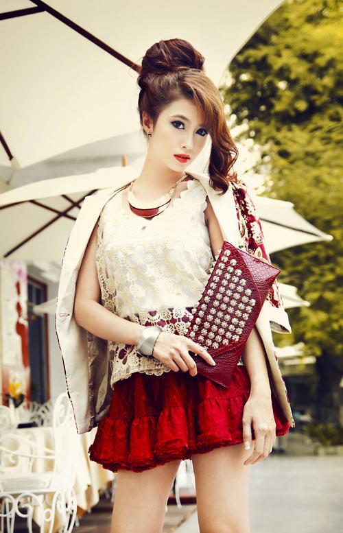 Hot girl Việt My cá tính trên phố - 1