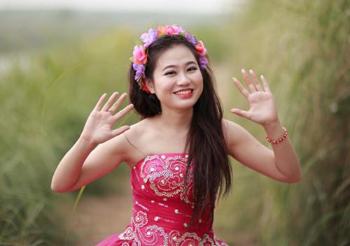 Cô gái xinh đẹp có tấm lòng nhân ái - 1